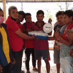 युवा सङ्गठन नेपालद्वारा हुप्सेकोटमा खेलकुद सामग्री वितरण