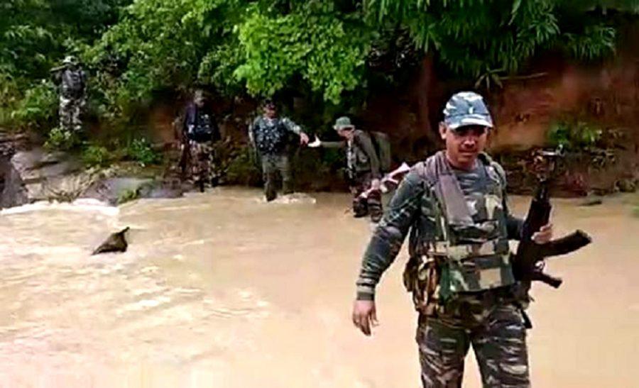 माओवादी सेनाको एम्बुसमा ६ सुरक्षाकर्मी मारिए