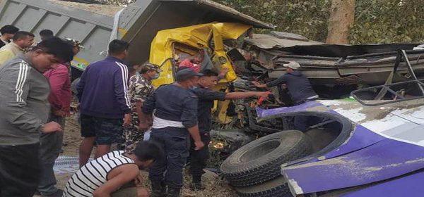 कोहलपुरमा बस दुर्घटना : पाँच जनाको मृत्यु, ३८ घाइते