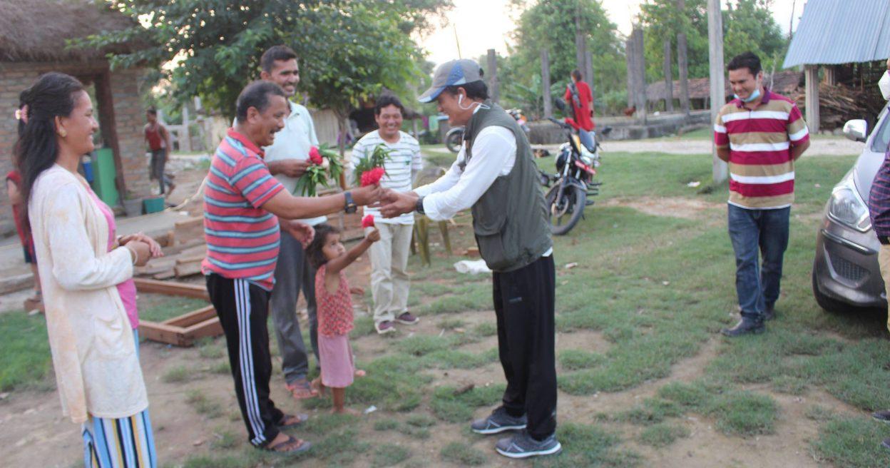 महासचिव विप्लवद्वारा केन्द्रीय सदस्य माइला लामालाई पार्टी केन्द्रीय कार्यालयमा स्वागत