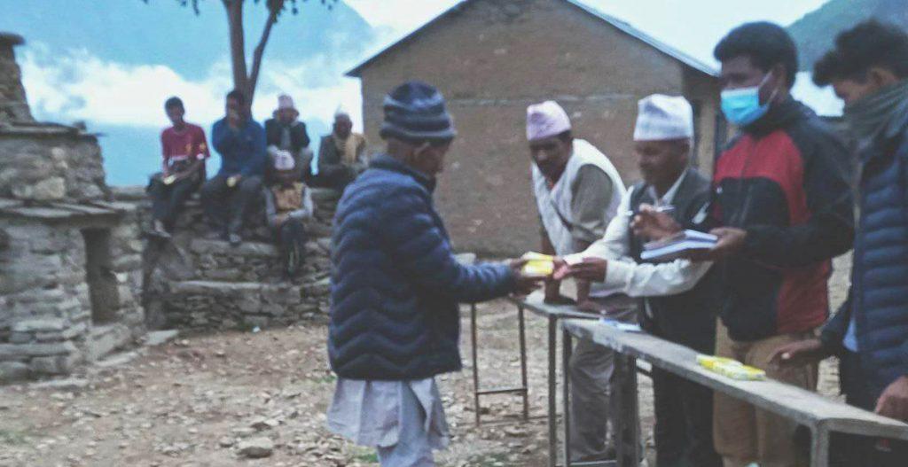 नेकपा कालीकोटद्वारा कोरोनाबिरुद्ध सरसफाई अभियान उद्घाटन