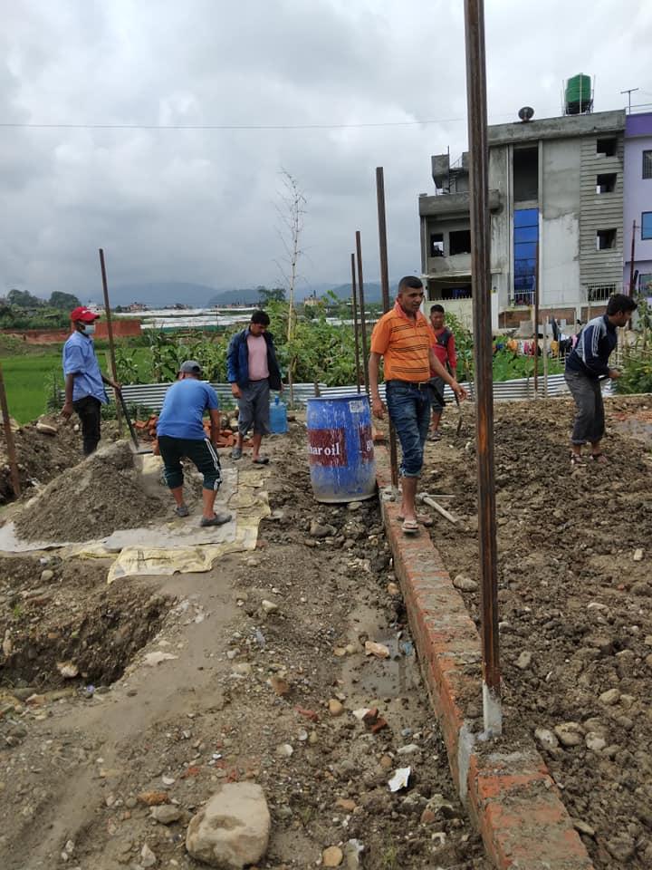 नेकपाको केन्द्रीय कार्यालय निर्माणमा काठमाडौँ महानगर समितिको श्रमसहभागितासहित सहयोग हस्तान्तरण