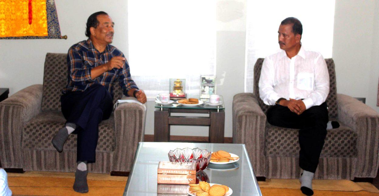 नेकपा महासचिव विप्लव र राप्रपा अध्यक्ष कमल थापाबीच भेटवार्ता