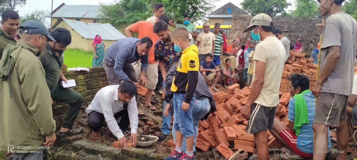 नेकपा दाङद्वारा सुकुम्बासी बस्तीमा जनताको घर निर्माण कार्य सुरु